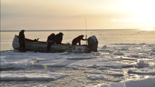 hunters-in-boat