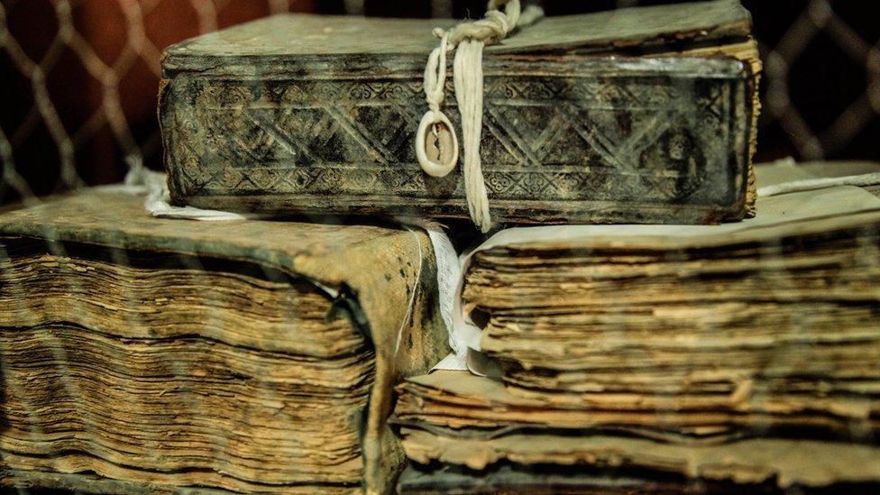 _65604533_7-manuscripts, αρχαία κείμενα,