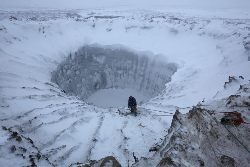 972843_un-cratere-en-siberie, κρατήρες στη Σιβηρία, χερσόνησο Yamal, Γιαμάλ,