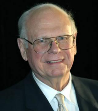 Paul Hellyer1